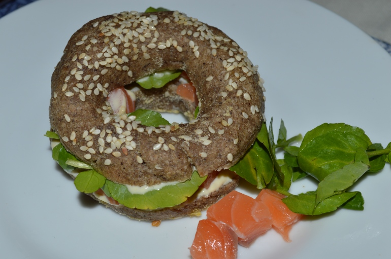 Bagel saumon, cresson et crème -  Salmon, watercress and cream bagel